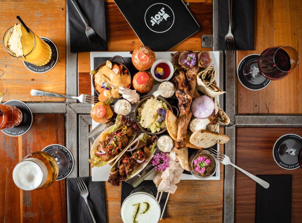 Food & Bar